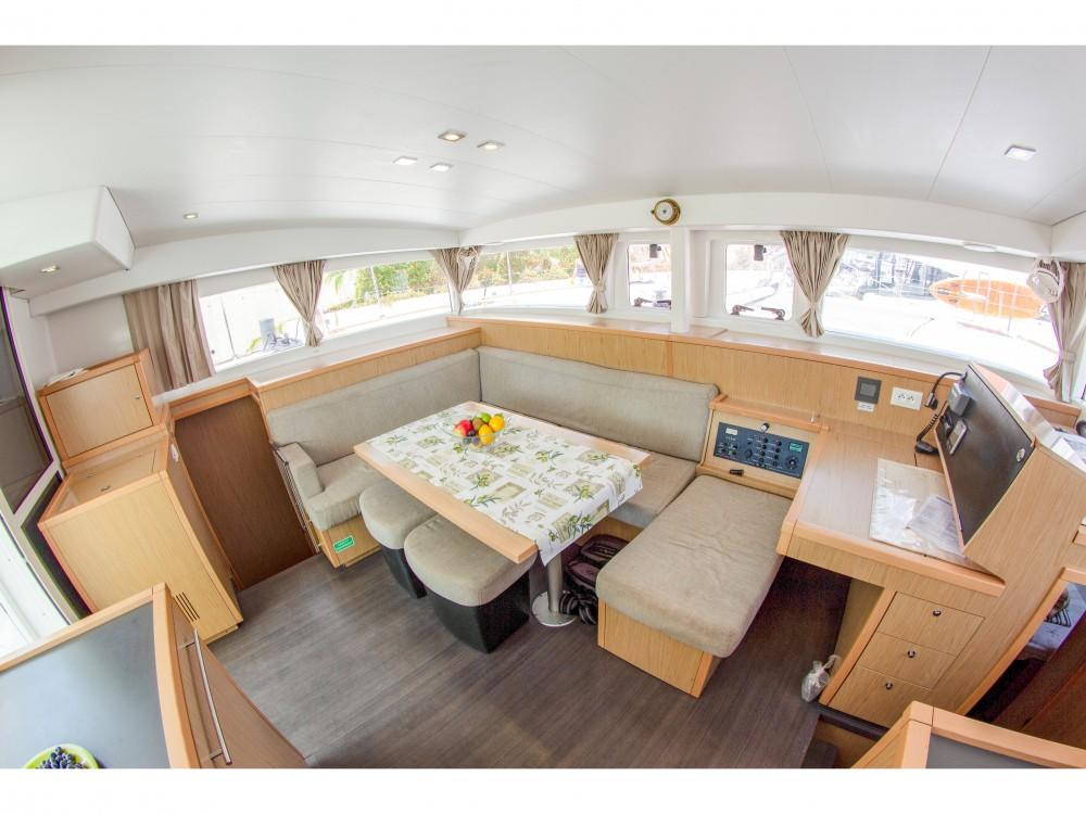 Rental yacht Split - Lagoon Lagoon 400 S2 (2013)  on SamBoat