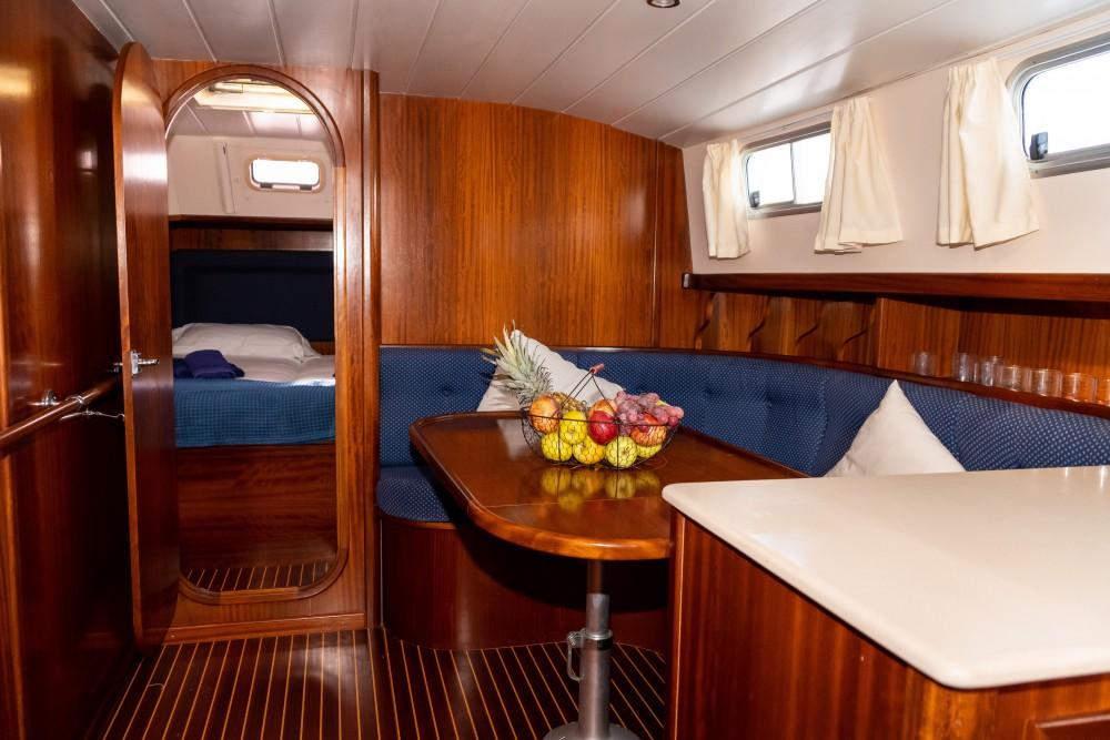 Rental yacht Port de Pollença - Astilleros Menorquin 150 on SamBoat
