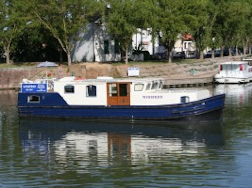 Motor boat for rent Castelnaudary at the best price