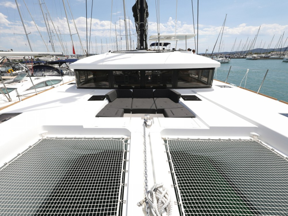 Rental Catamaran in Sukošan - Lagoon Lagoon 52