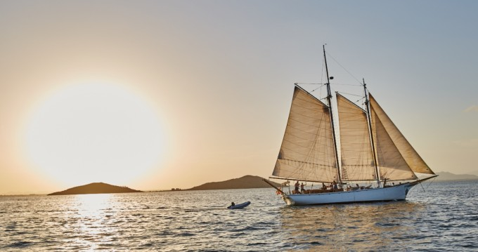 Rental Sailboat in La Manga del Mar Menor - Murray Peterson Diseño único
