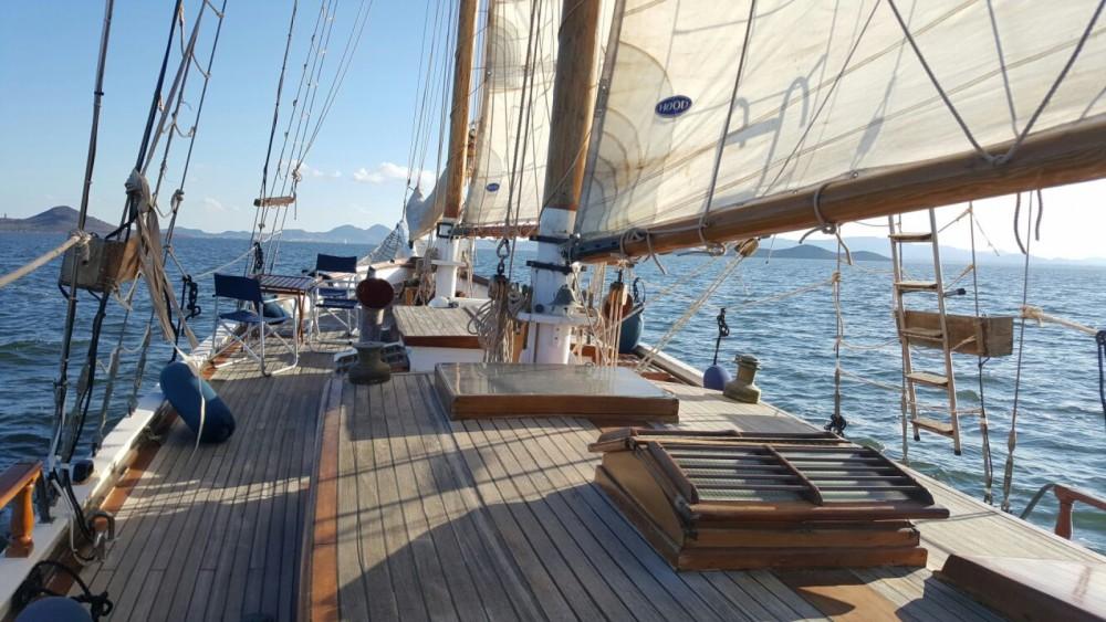 Rental Sailboat in  - Murray Peterson Diseño único