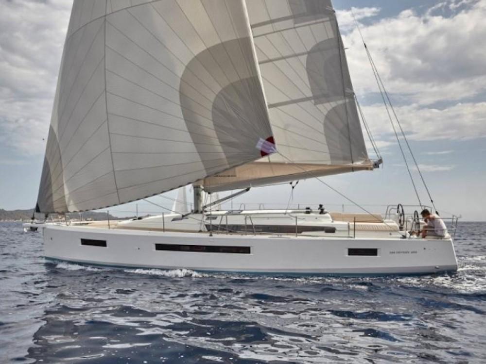 Rental Sailboat in Βόλος - Jeanneau Sun Odyssey 490