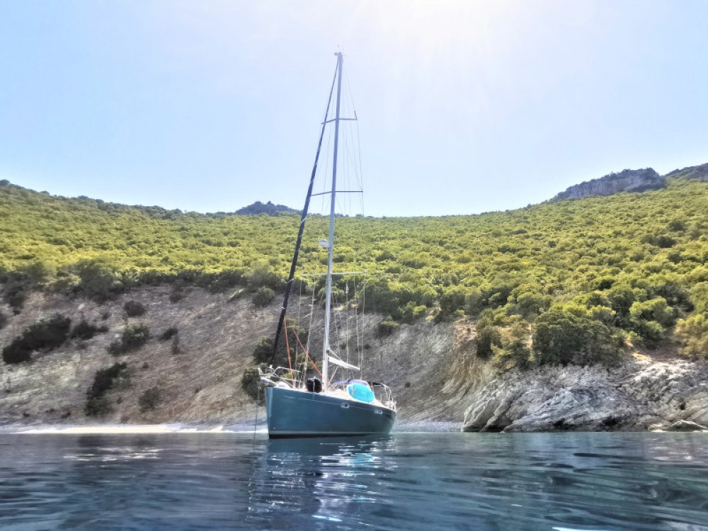 Jeanneau Sun Odyssey 54DS between personal and professional Marina Gouvia