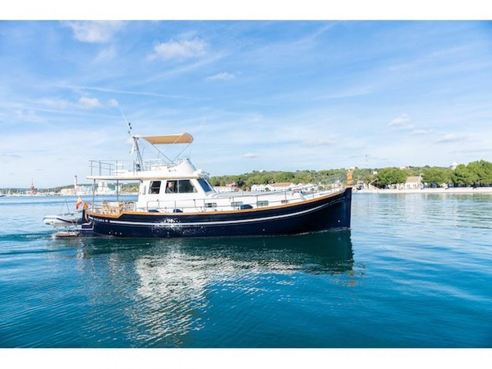 Boat rental Maó cheap Menorquin 160 FLY