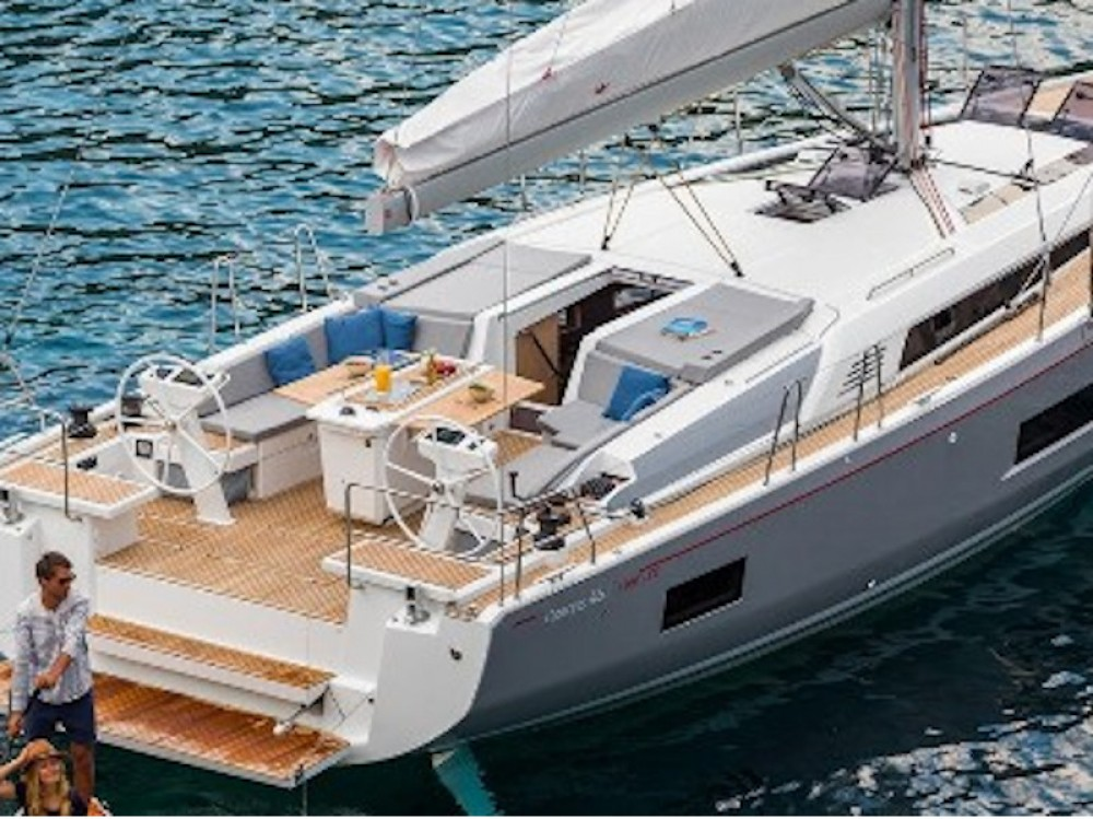 Bénéteau Oceanis 461 between personal and professional Laurium