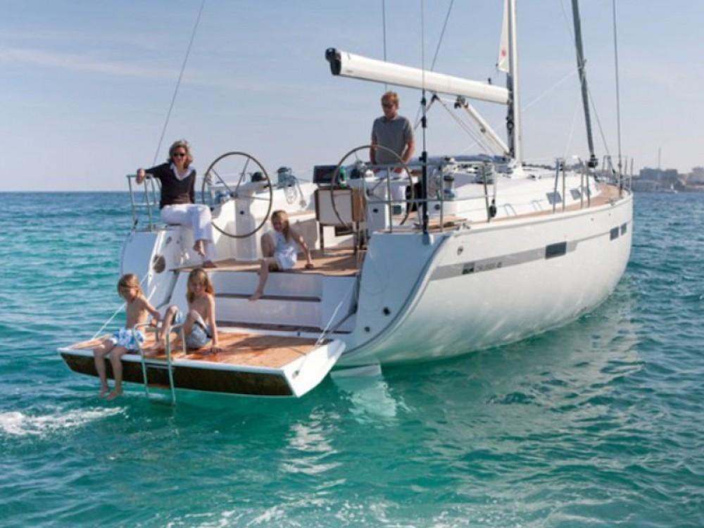 Boat rental Bavaria Bavaria 45 Cruiser in Barcelona on Samboat