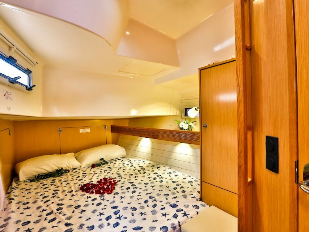 Rental yacht Barcelona - Bavaria Bavaria 45 Cruiser on SamBoat