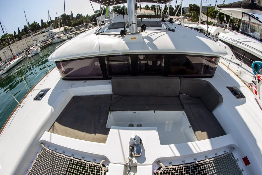 Rental yacht Split - Lagoon Lagoon 450 (2016) equipped with generator, A/C (saloon+cabins), ice maker on SamBoat