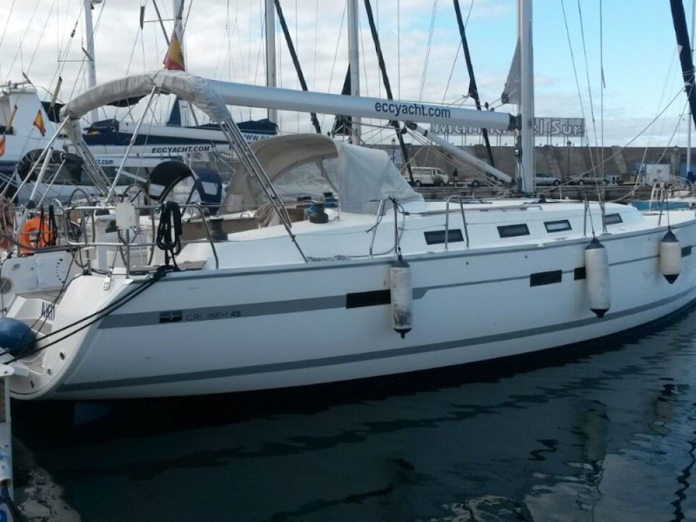Rental Sailboat in Santa Cruz de Tenerife - Bavaria Bavaria 45 Cruiser
