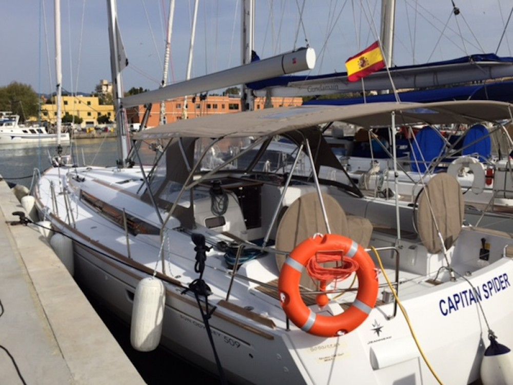 Rental Sailboat in Arona - Jeanneau Sun Odyssey 509