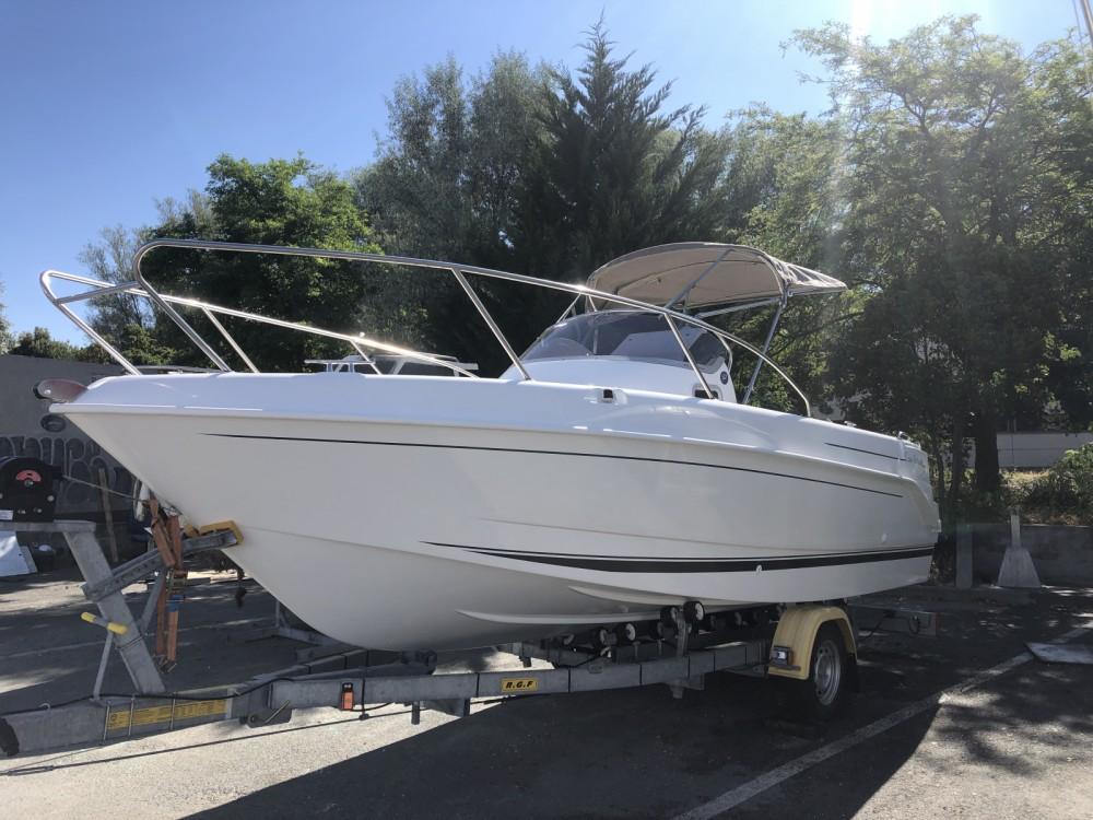 Boat rental La Rochelle cheap Cap Ferret 652 Day Cruiser