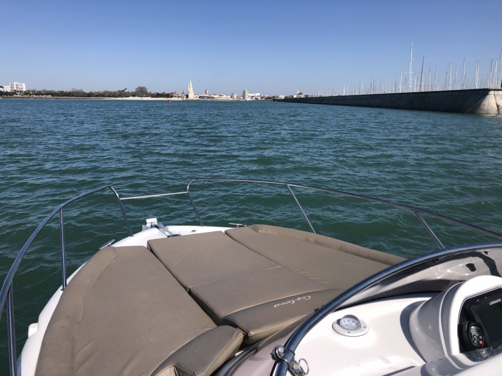 Hire Motor boat with or without skipper B2 Marine La Rochelle