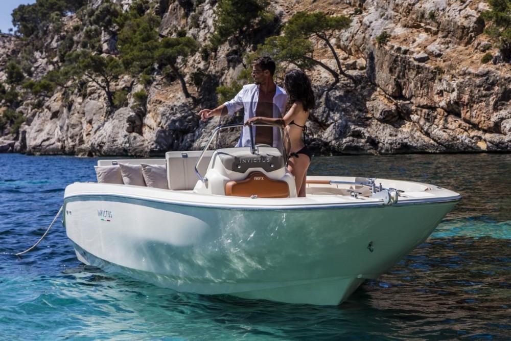 Rental Motor boat in Calvià - Invictus  Invictus 190 FX