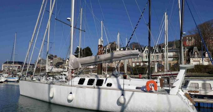 Rental Sailboat Construction-A-Lunite with a permit