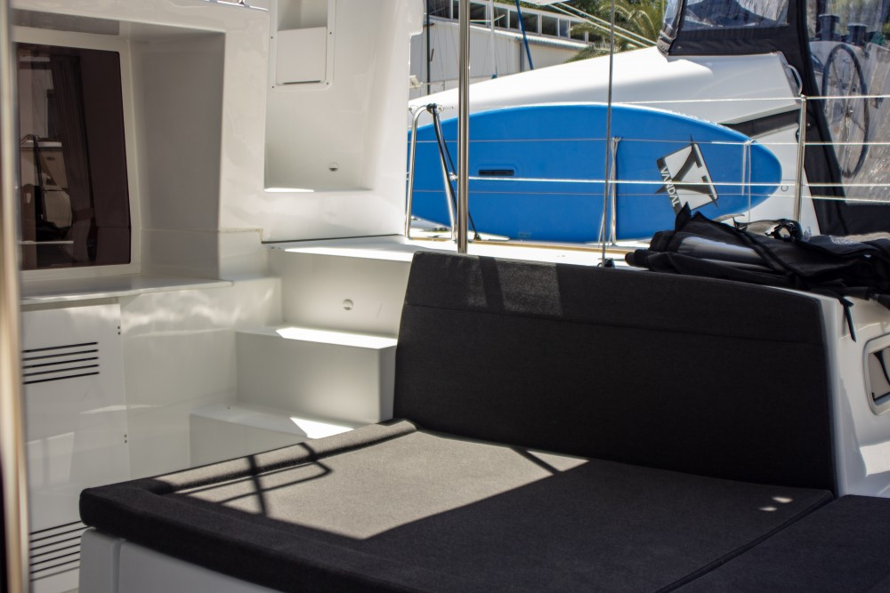 Lagoon Lagoon 450 F (2018) equipped with generator, A/C (saloon+cabins), 2 S.U.P. between personal and professional Slano