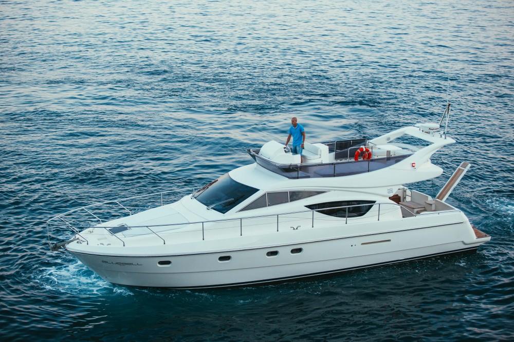 Boat rental Ferreti Ferretti 460 in Split on Samboat
