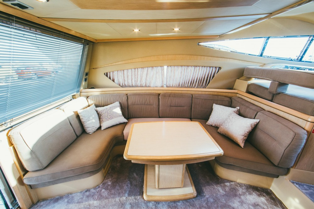 Rental Motorboat Ferreti with a permit