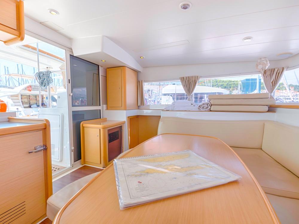 Boat rental Split cheap Lagoon 400