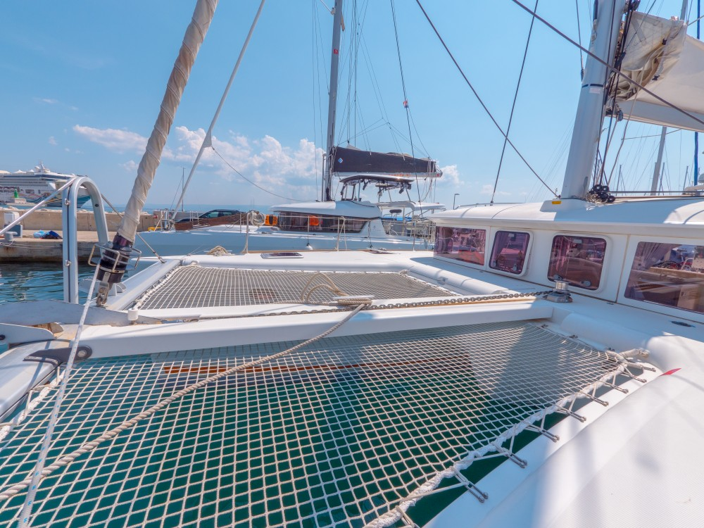 Boat rental Lagoon Lagoon 400 in Split on Samboat
