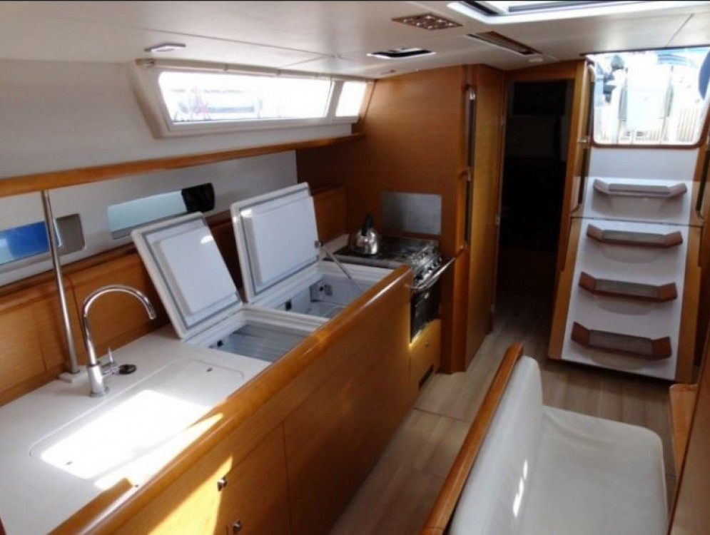 Jeanneau Sun Odyssey 469 between personal and professional Road Town