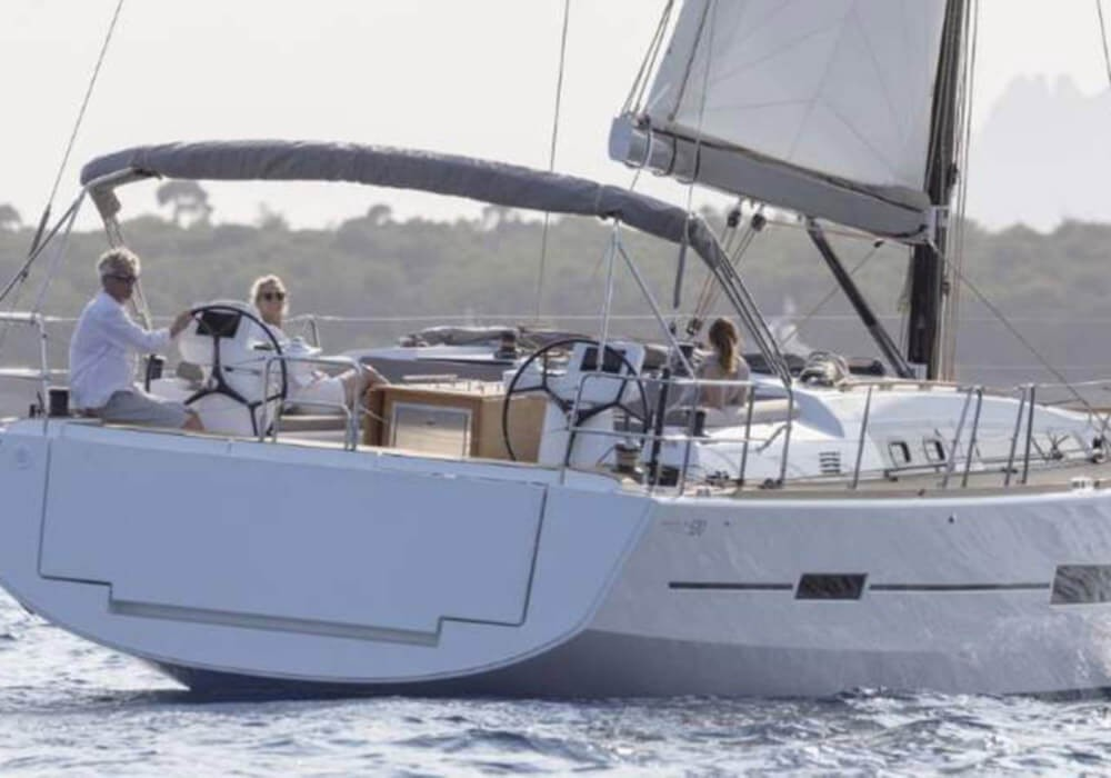 Rental Sailboat in Capo d'Orlando - Dufour Dufour 520