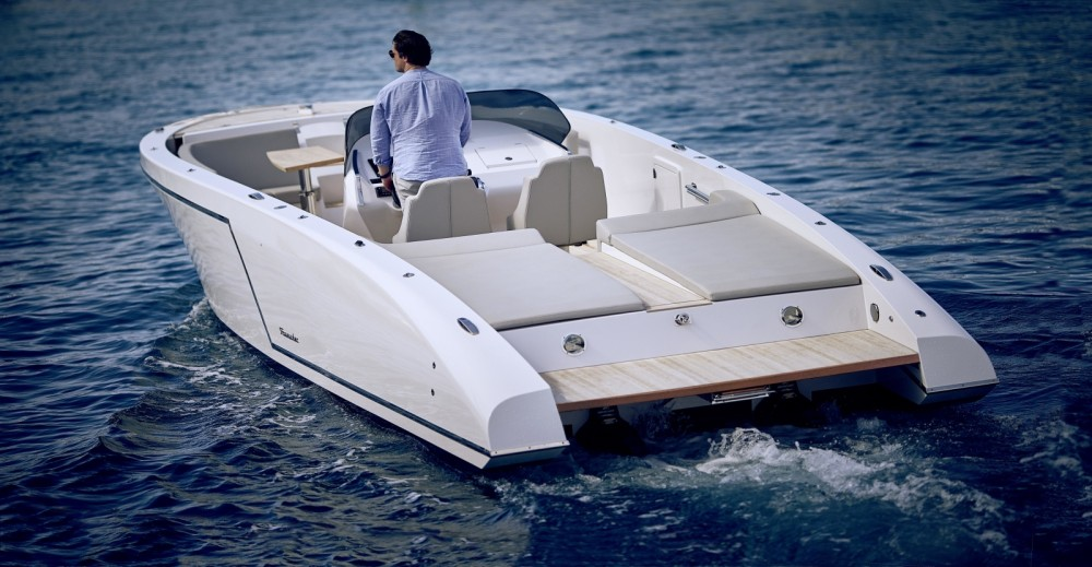 Rental Motor boat Frauscher with a permit