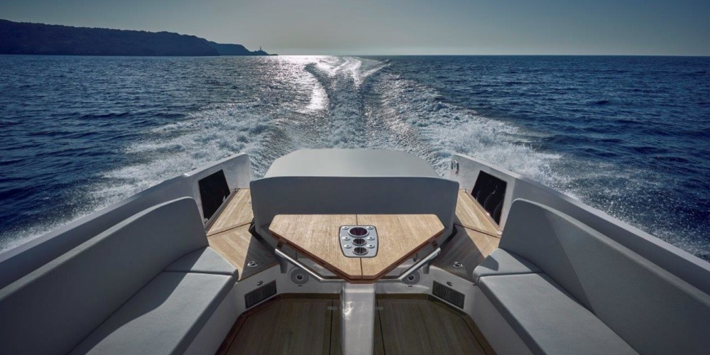 Motor boat for rent Sorrento at the best price