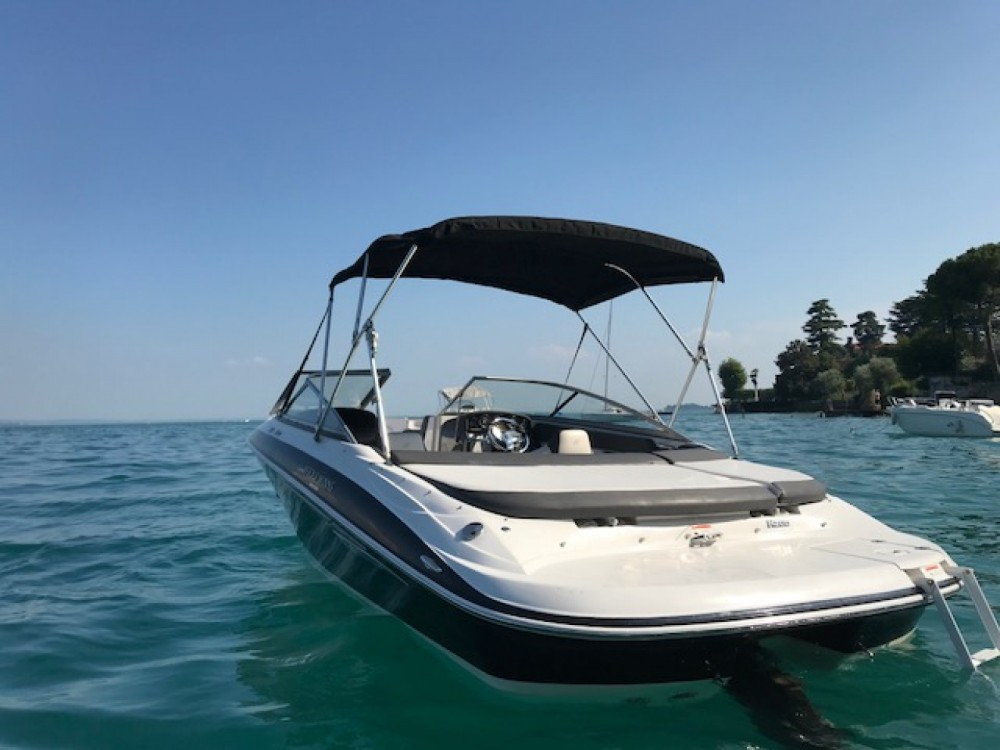 Boat rental Four Winns Horizon 200 in Moniga del Garda on Samboat