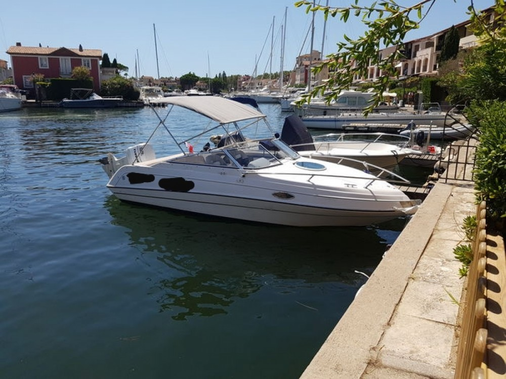 Hire Motor boat with or without skipper Four Winns Gruissan