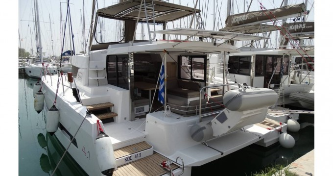 Catamaran for rent Péloponnèse at the best price