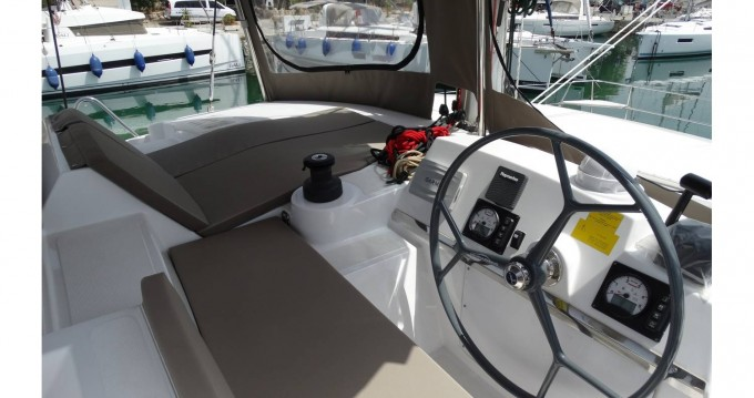 Catana Bali 4.1 - 4 + 2 cab. between personal and professional Péloponnèse