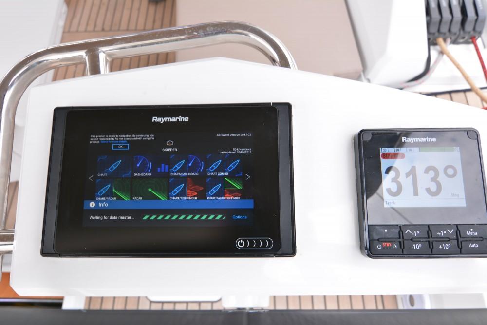Rental yacht  - Bénéteau Oceanis 51.1 on SamBoat