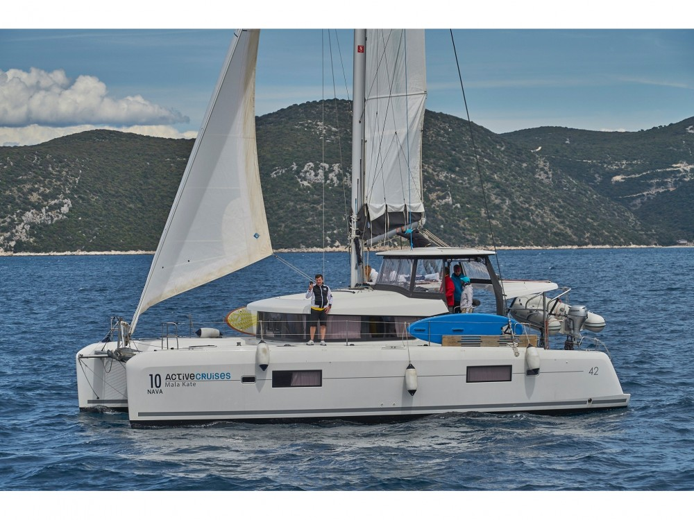 Rent a Lagoon Lagoon 42 (2017) MALA KATE equipped with generator, A/C (saloon) Split