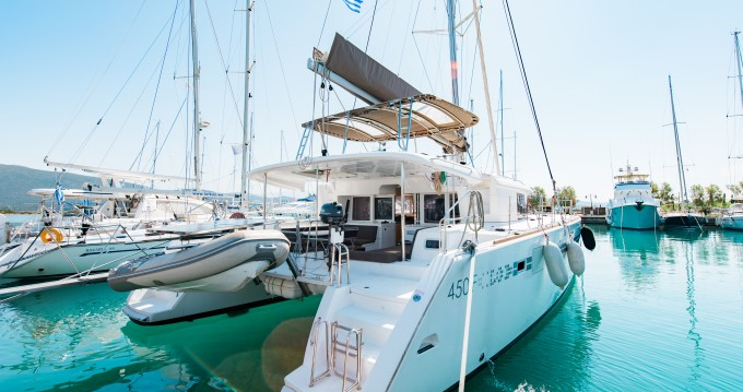 Rental Catamaran in Municipal Unit of Lefkada - Lagoon Lagoon 450  Flybridge