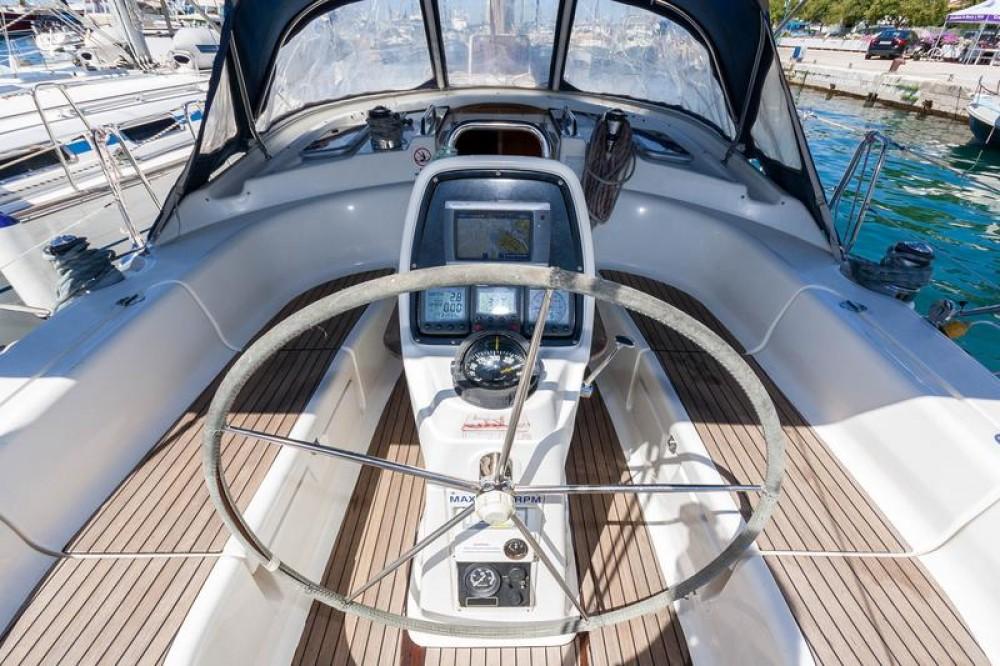 Rental Sailboat in Kavala - Bavaria Bavaria 39 Cruiser