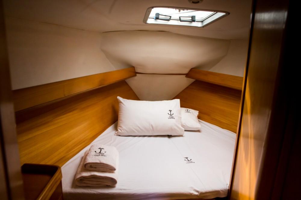 Boat rental Feeling Feeling Kirie 39 in Nikiana on Samboat