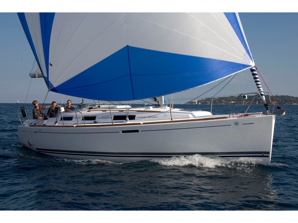 Rental Sailboat in Pula - Dufour Dufour 325