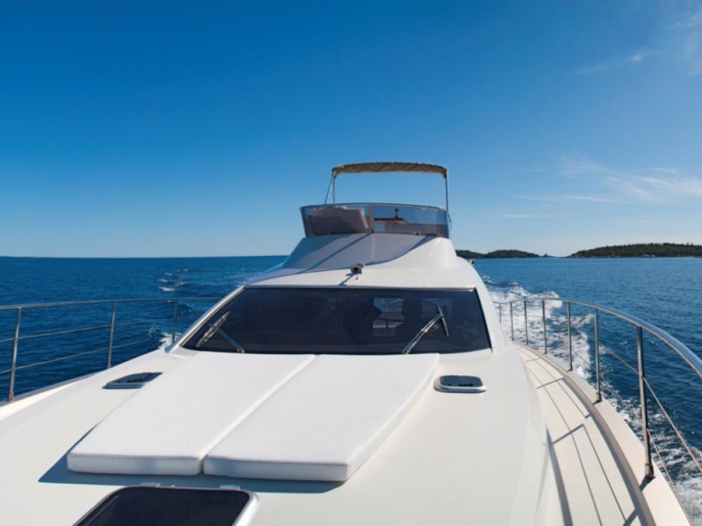Boat rental Cyrus Cyrus 13.8 Flybridge in ACI Marina Rovinj on Samboat