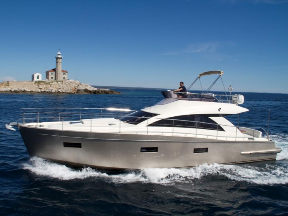 Motor boat for rent ACI Marina Rovinj at the best price