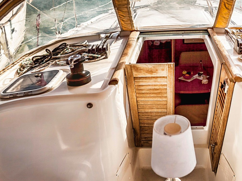 Boat rental Bénéteau Cyclades 39.3 in Nea Moudania on Samboat