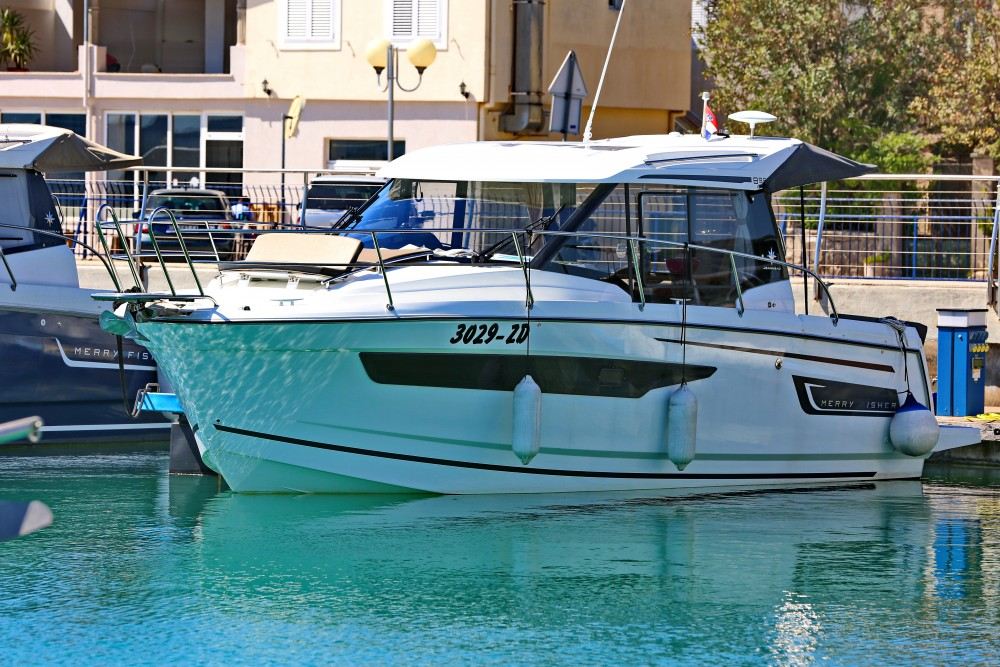 Hire Motorboat with or without skipper Jeanneau Grad Zadar