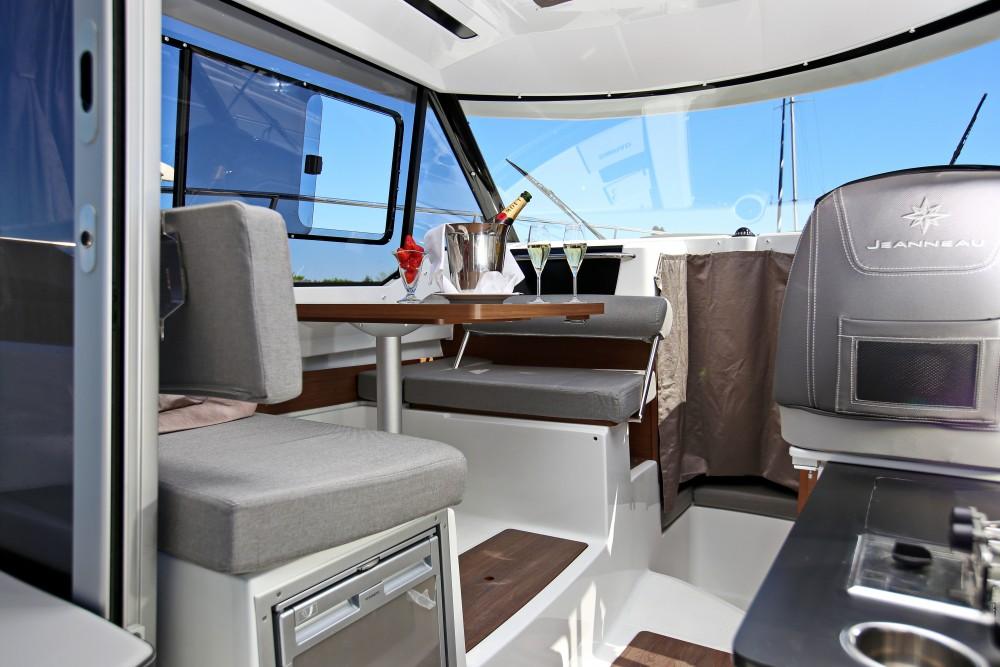 Rental Motorboat in Grad Zadar - Jeanneau Merry Fisher 795
