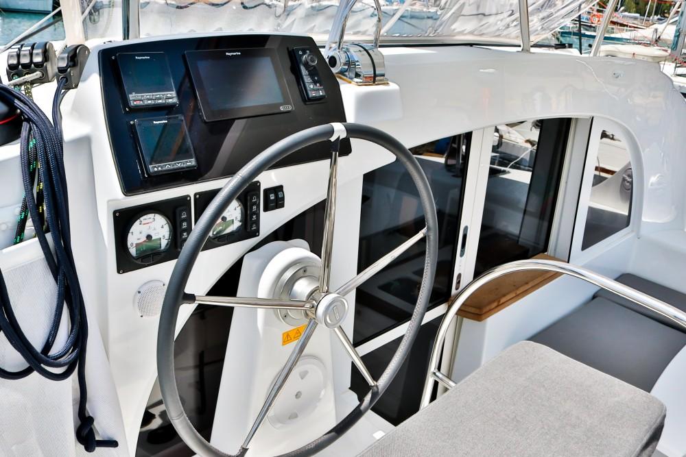 Rental yacht Álimos - Lagoon Lagoon 380 ( INVENTER ) on SamBoat