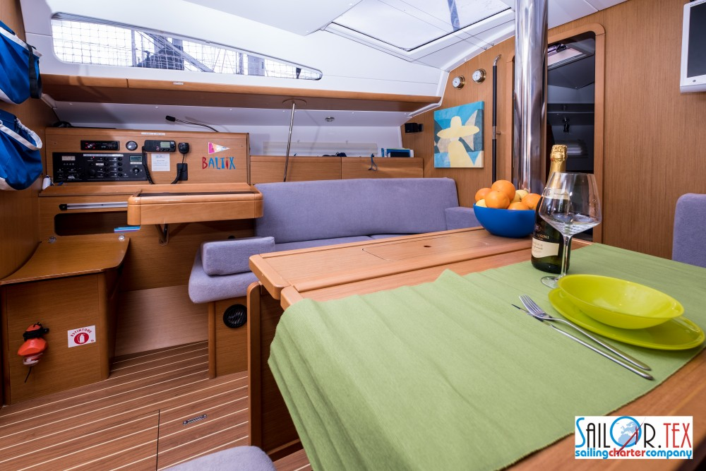 Jeanneau Sun Odyssey 42 DS between personal and professional Castiglioncello