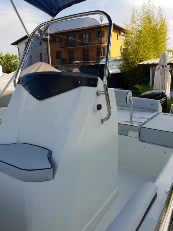 Rent a TRIMARCHI 57 Moniga del Garda