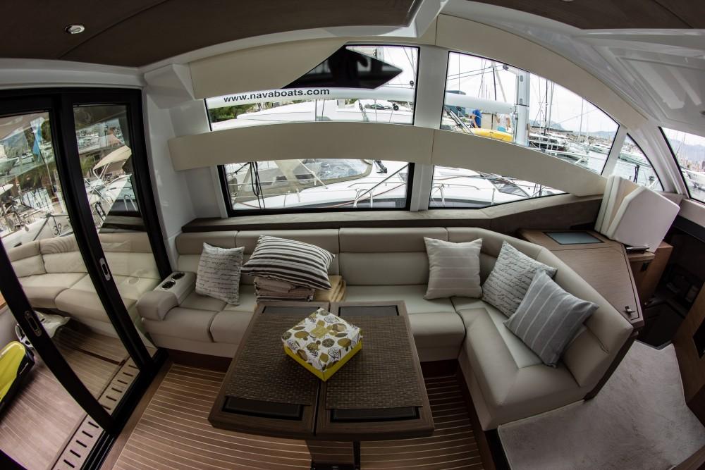 Rental Motor boat in Split - Bénéteau Gran Turismo 50 Fly (2018)