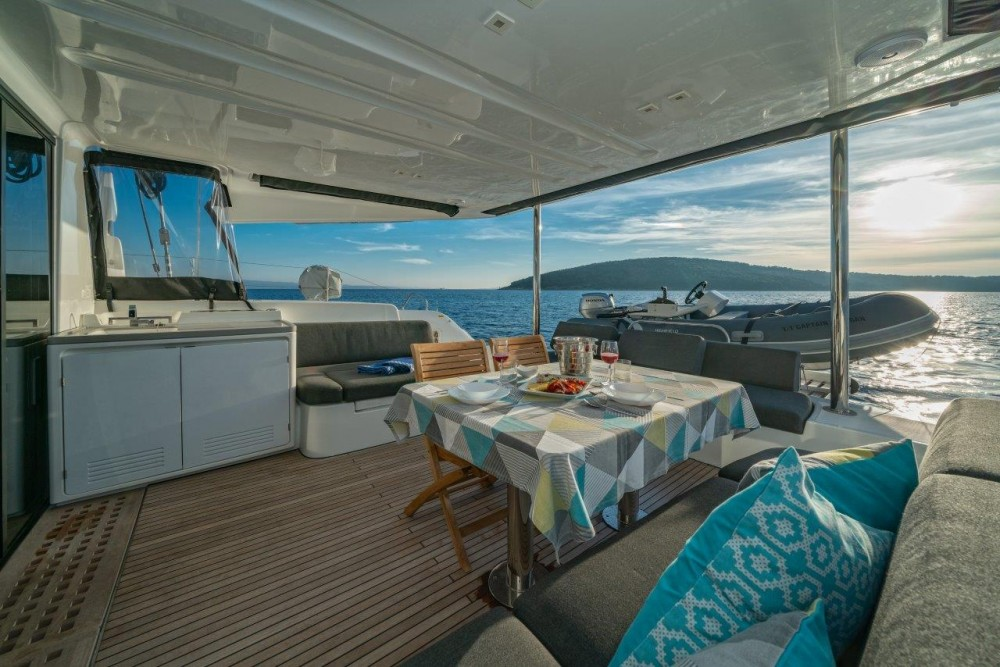 Boat rental Lagoon Lagoon 50 (2018)equipped with airconditioning (saloon + cabins), generator, watermaker, ice maker, dishwasher, washer/dryer, 2 SUP in Split on Samboat