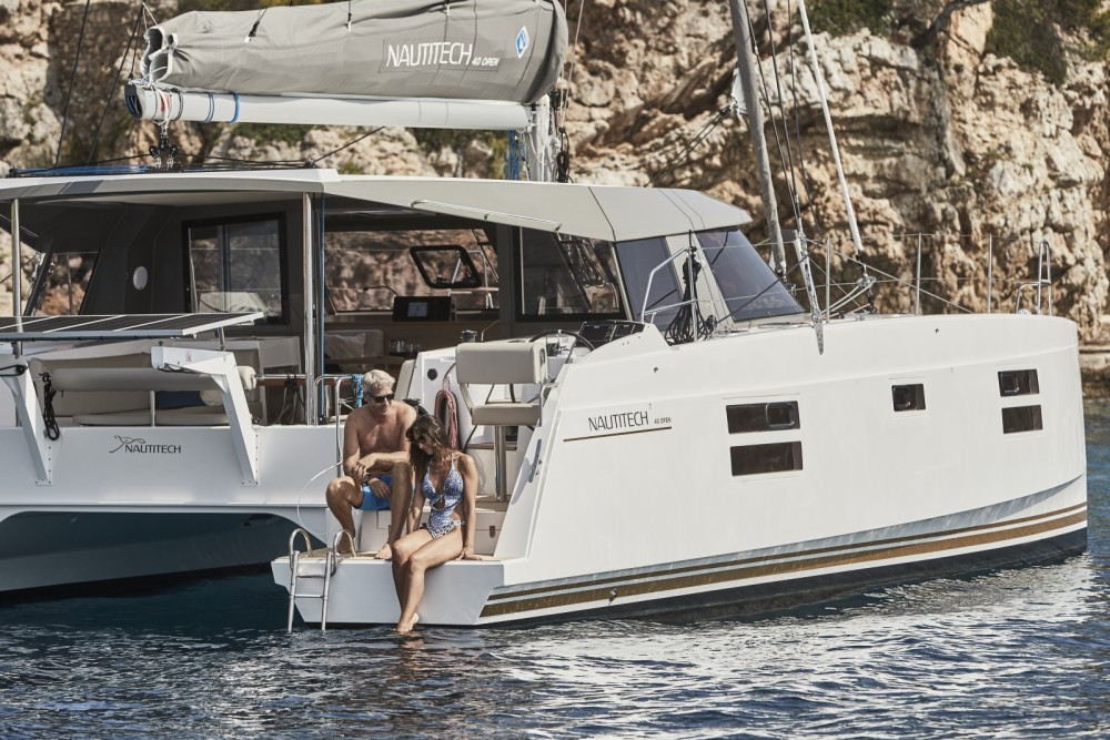 Hire Catamaran with or without skipper Nautitech Castelldefels