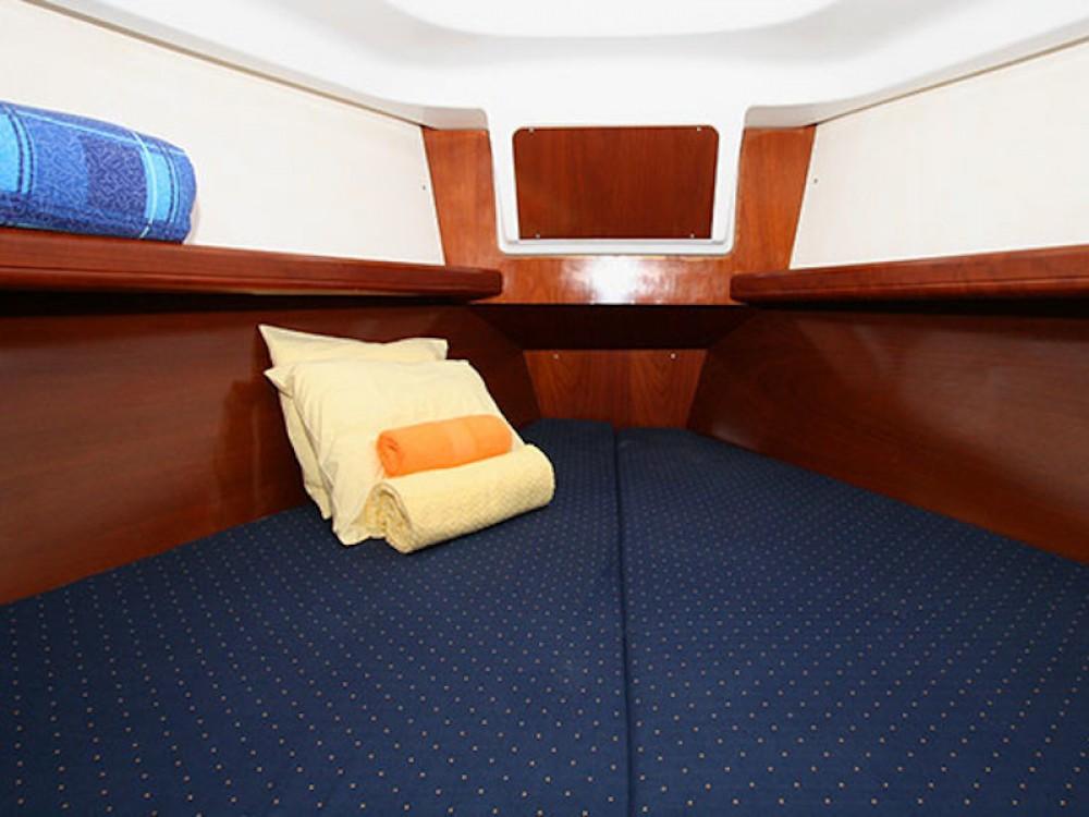 Rental yacht Lefkada - Bénéteau Oceanis 331 on SamBoat